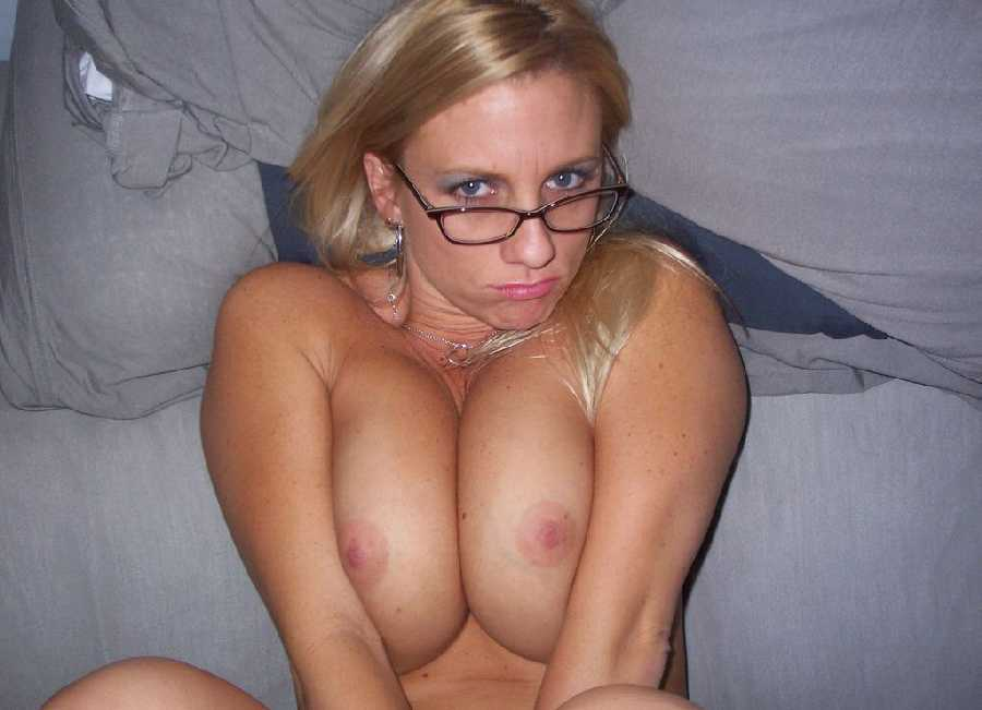 Many people have a fetish for a nude girl wearing glasses and this college ...